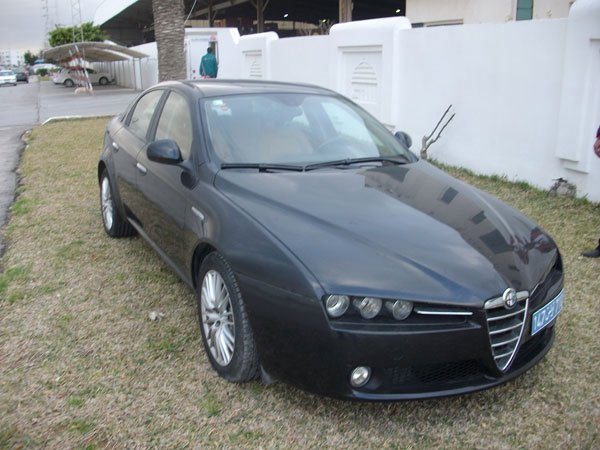 vente voiture occasion tunisie alfa romeo. Black Bedroom Furniture Sets. Home Design Ideas