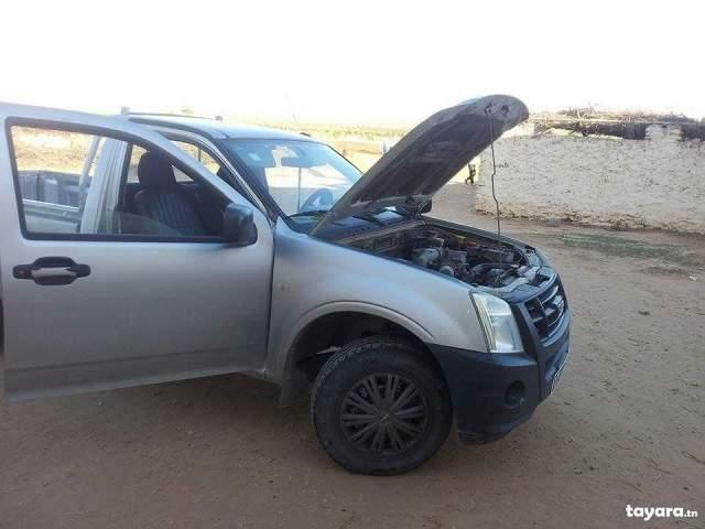 Tayara Tn Voiture Mazda A Vendre Tracteur Tondeuse Occasion Diesel