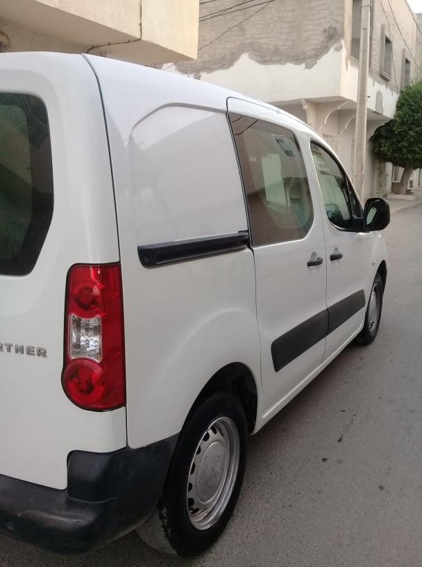 vente voiture occasion utilitaire tunisie peugeot partner